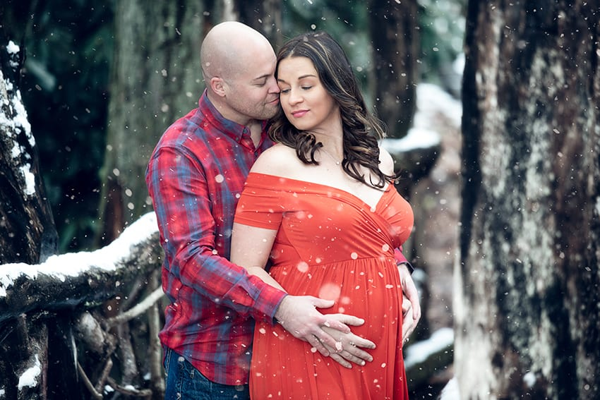 snowy-winter-maternity-session-banner-elk