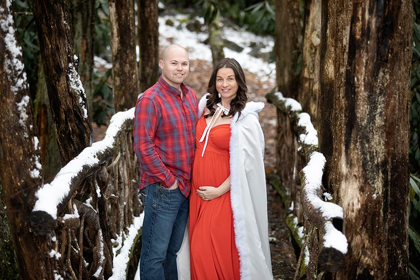 Maternity portraits in Eagles Nest in Banner Elk